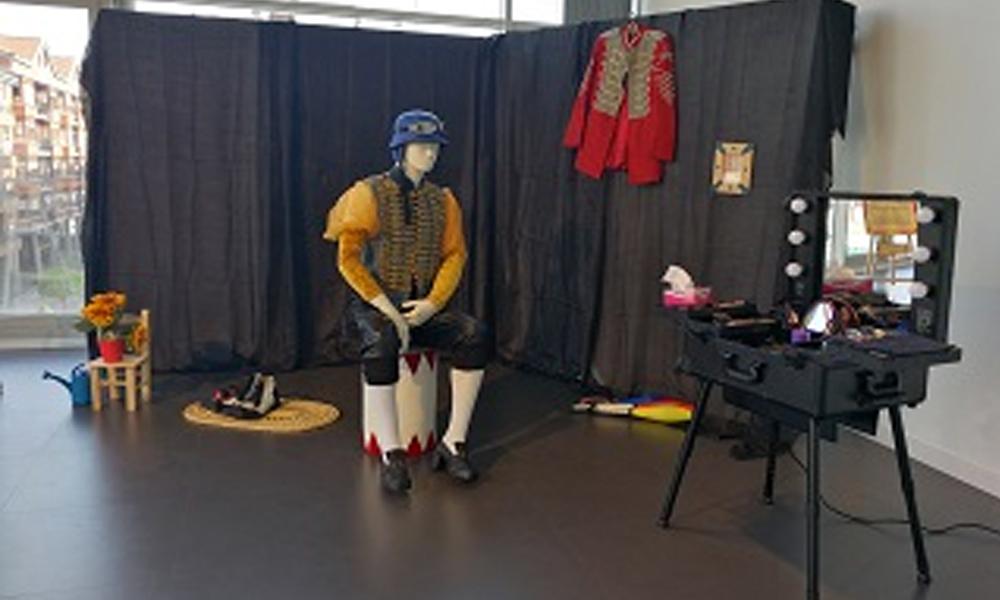 arrigorriaga clown jaialdia 2018 zirko armairua erakusketa