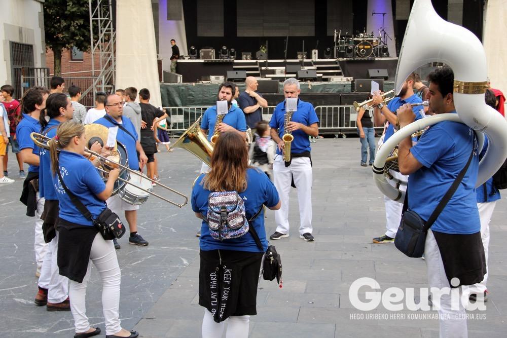 arrigorriaga jaiak 2017 txupina 1