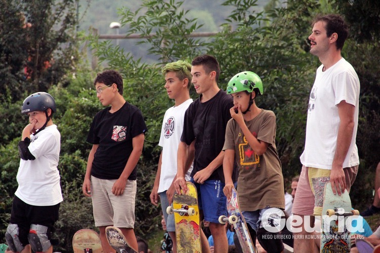 basauri-basozelai-skate-2016-element-team-12