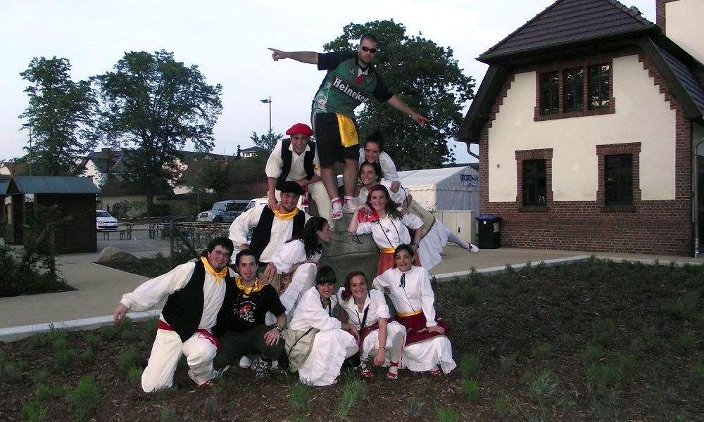 basauri-edurre-dantza-taldea-2010-alemania-argazkia-facebook-edurre-dantza-taldea