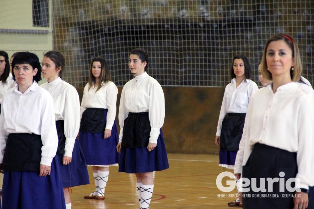 basauri-edurre-dantza-taldea-2017-60-urte-15