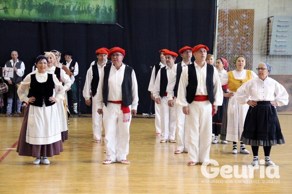 basauri-edurre-dantza-taldea-2017-60-urte-19