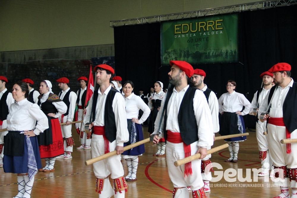 basauri-edurre-dantza-taldea-2017-60-urte-3