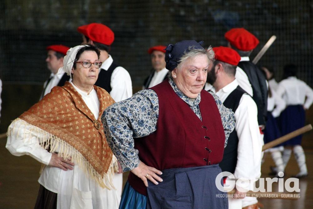 basauri-edurre-dantza-taldea-2017-60-urte-9