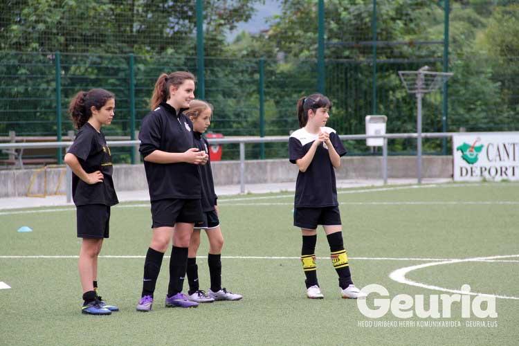 basauri-futbola-2016-arrate-orueta-kanpusa-3