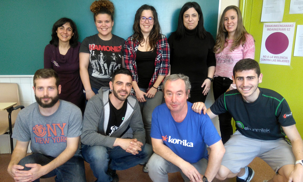 basauri udal euskaltegia 2017 laurak eta bostak taldea