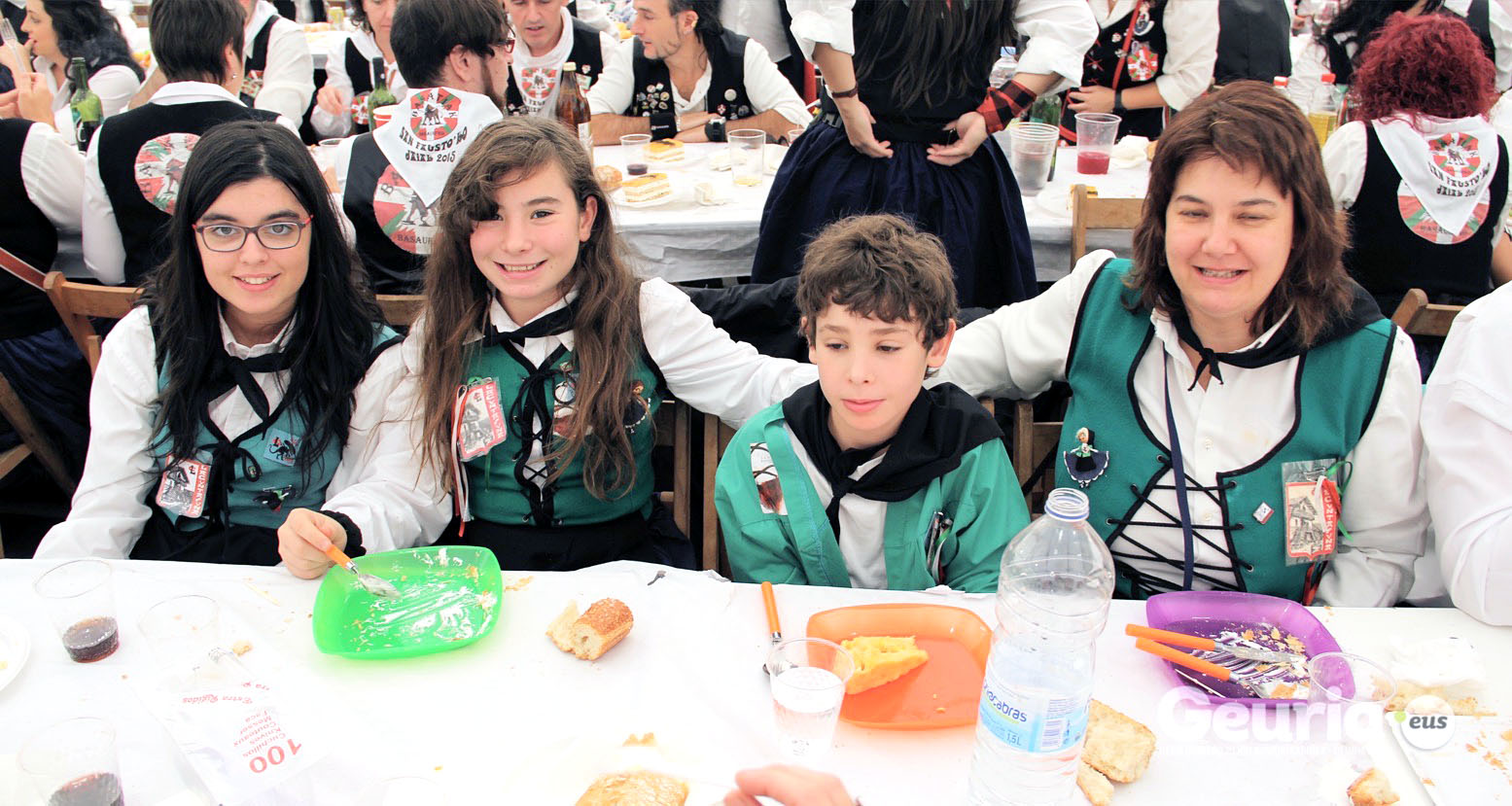 basauri_san_fausto_2015_comida_cuadrilla_16
