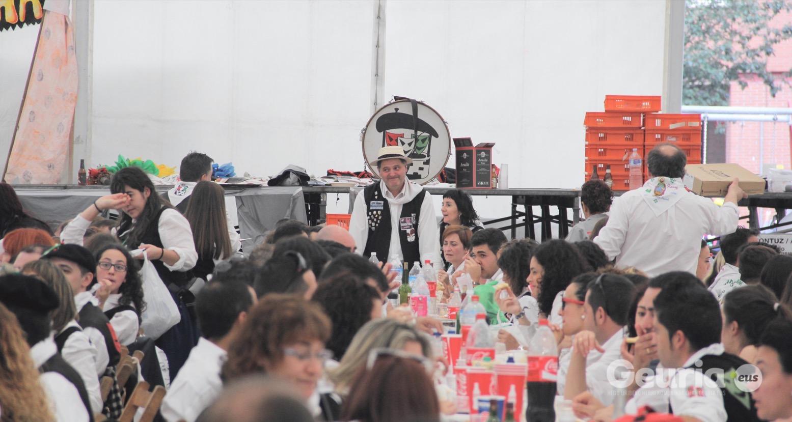 basauri_san_fausto_2015_comida_cuadrilla_31