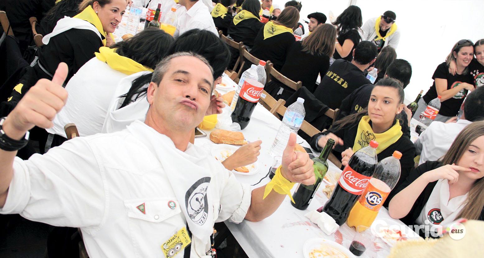 basauri_san_fausto_2015_comida_cuadrilla_43