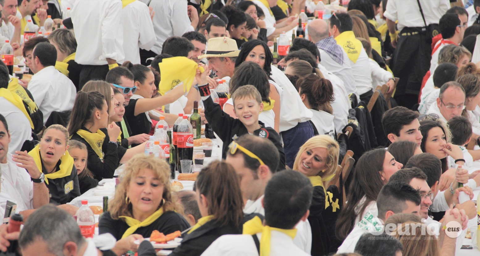basauri_san_fausto_2015_comida_cuadrilla_6