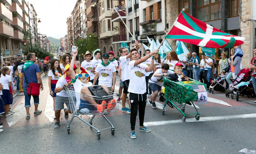galdakao jaiak 2017 kuadrillen desfilea txupinazoa argazkia ander arrieta