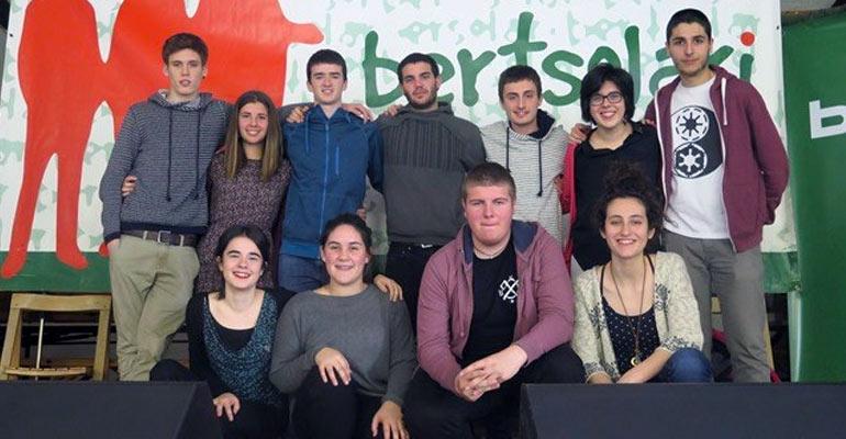 hego uribe bertsolari gazteen bbk txapelketa 2017 taldea