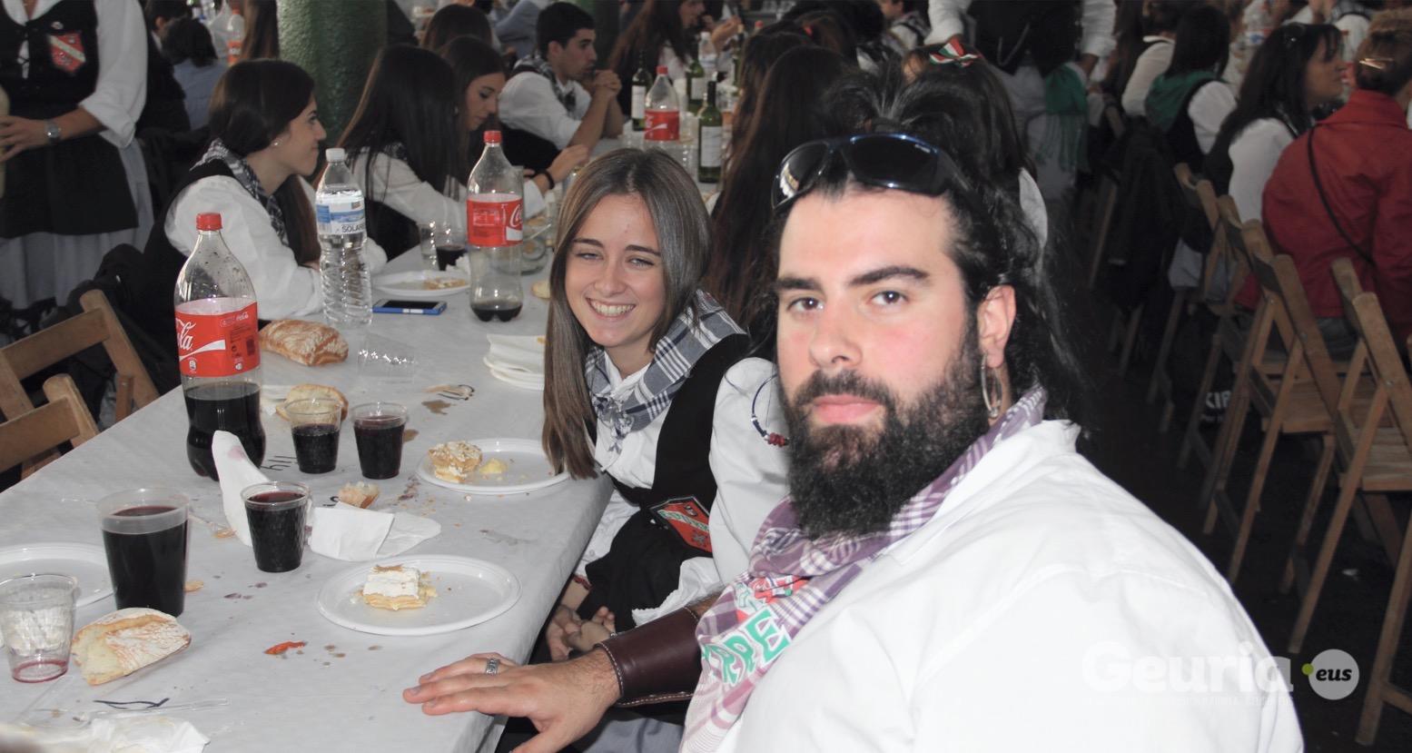 basauri_san_fausto_2015_comida_cuadrilla_58