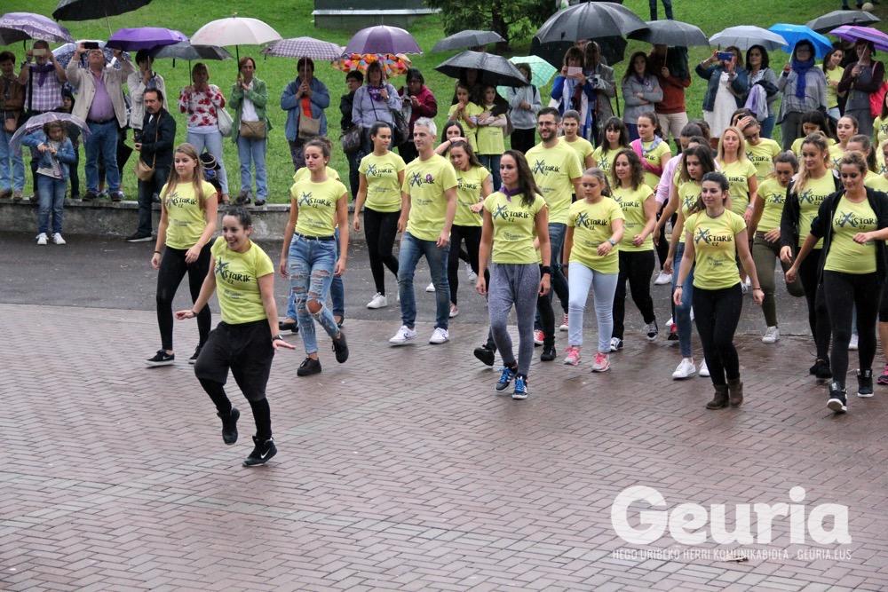 galdakao-jaiak-2016-eraso-sexistak-flashmob-10